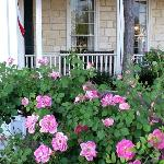Front of Ye Kendall Inn in the Springtime