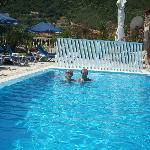 me an mum in pool