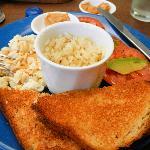 Todo el Mundo breakfast plate