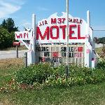 M 37 Motel Newaygo Mi