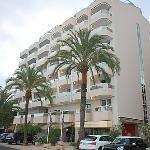 Hotel Riva exterior