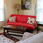 Love seat Mary Porter Suite