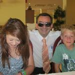 The lovely waiter! (Mr.Bean)