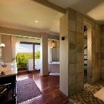 Ulusaba Rock Cliff bathroom