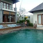 Villa Toba pool side