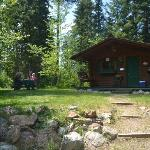 Cabin with private picnic area & fire pit