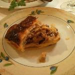 hojaldre relleno de boletus y foie espectacular