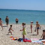 Miniclub di Adamo ed Eva sulla spiaggia Crazy Beach