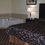 Jacuzzi king bedded room