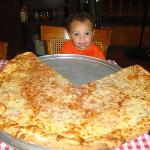 XL pizza - 28 in