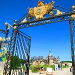 Chateau de Chantilly: the entrance