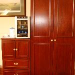 Wine refrigerator, coffee, ample storage