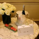 Champagne and macarons upon arrival