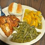 Very Good Grilled Chicken w/ unedible squash and green beans