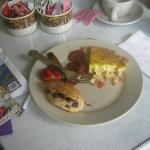Pat's delicious homemade breakfast---quiche, and some kind of chocolate chip roll-up pastry