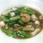 Lard Nah Noodle with Seafood