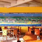 Murale che raffigura il club, nel ristorante