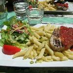 Une belle assiette, vous mangerez très bien et variée