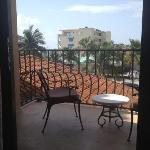 huge balcony! one bedroom suite