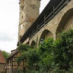 Vue sur les remparts  et la tour Klingen