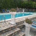 L'angolo piscina. Tranquillo, pulito e soleggiato... un'oasi!