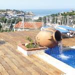 vue sur le port depuis la piscine