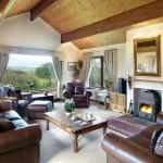 Viewfield sitting room
