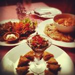 Samosa, garlic mushroom and tofu mussaman with chapati