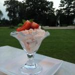 Eton Mess on the Patio