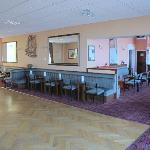 bar & ballroom.