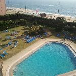 piscina desde habitacion con balcon