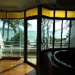 Ocean View Suite and spa bath