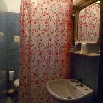 Cortina que separa el lavabo del wc, bidet y ducha