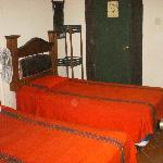 habitacion con dos camas