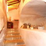 scalinata per accedere alla cucina ed ai bagni di servizio del ristorante/sala congressi