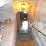 scalinata per accedere alla cucina ed ai bagni di servizio
