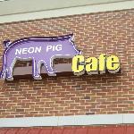 Foto Neon Pig Cafe