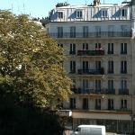 di fronte solo tipici palazzi parigini!
