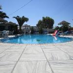 Piscina grande e piscinetta con idromassaggio