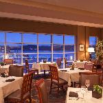 Harbor's Edge Restaurant