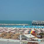 La spiaggia vista dalla terrazza