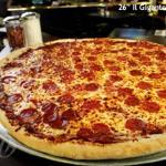 Minsky's Gigantor Pizza