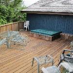 la terrasse avec jacuzzi