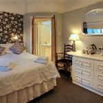 Senglea Lodge Rooms