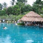 Pool mit Swim-up Bar