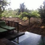 villa 7 pool