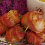 H'or doeuvres - scallops wrapped in bacon