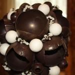 arreglo de chocolate en el bar del lobby