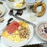 Complimentary breakfast!!!