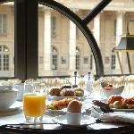 Au petit-déjeuner, à l'étage de la Brasserie